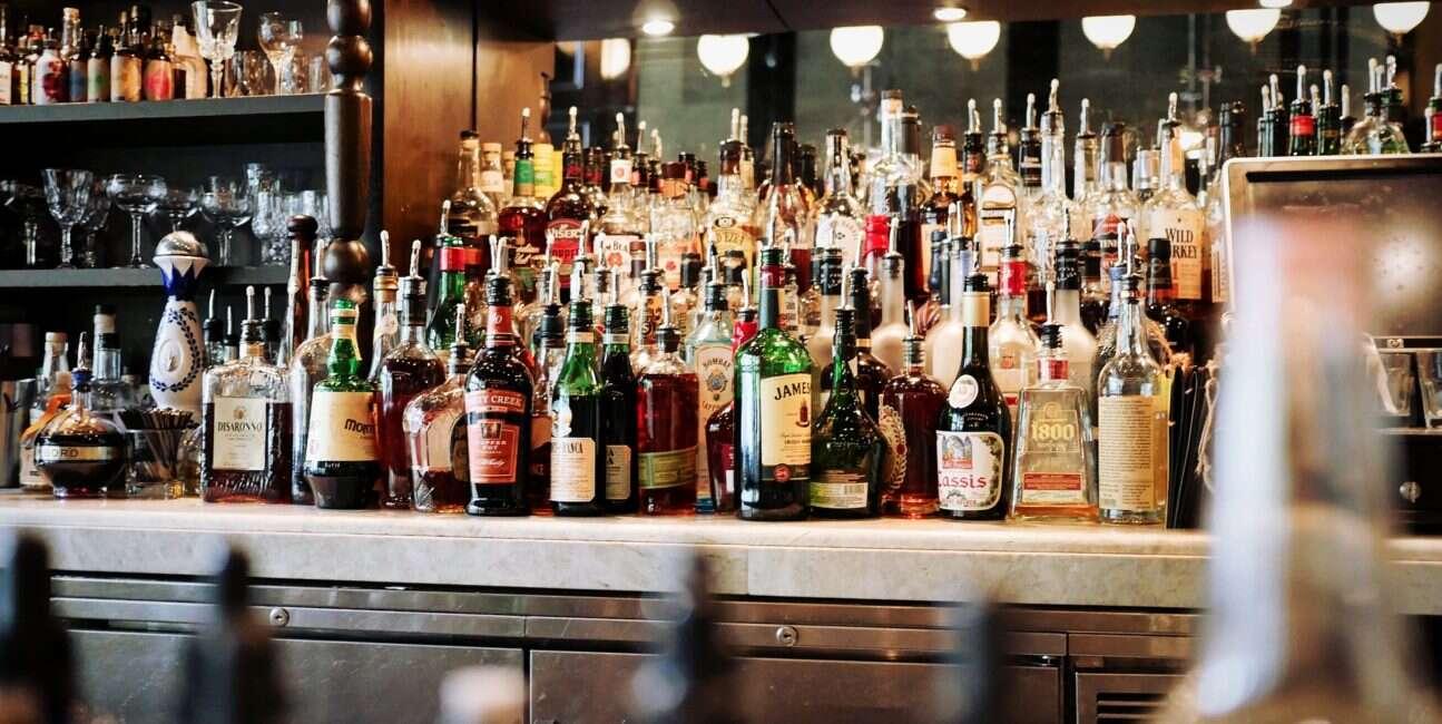 toksyczne substancje, butelki, emaliowane butelki, ołów butelki, kadm butelki, chrom butelki, toksyczne butelki, alkohol butelki, wino butelki, piwo butelki