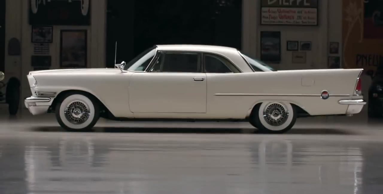 Chrysler 300D z 1958 roku przywrócony do pierwotnego stanu