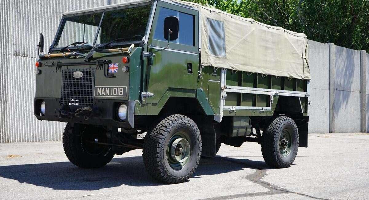 Ciężarówka wojskowa 101 Forward Control trafiła na sprzedaż