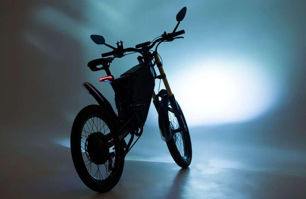 Poznajcie topowy elektryczny motocykl Top 2.0 od Delfast