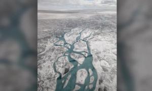 Pod Grenlandią znajdują się dziesiątki ukrytych jezior