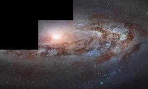 W przeciwieństwie do innych galaktyk, ta nie odsuwa się wraz z rozszerzaniem Wszechświata