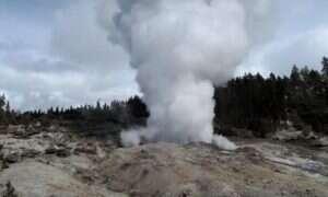 Gejzer w Yellowstone z jakiegoś powodu stał się niezwykle aktywny
