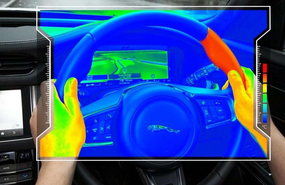 Sensoryczna kierownica od Jaguar Land Rover ogrzewa się w ważnym celu
