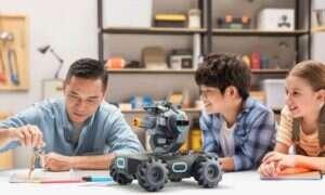 Wyścigowy, bojowy i edukacyjny robot Robomaster S1 od DJI