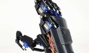 Z Drone for Handy dorobicie dronowi bioniczne dłonie