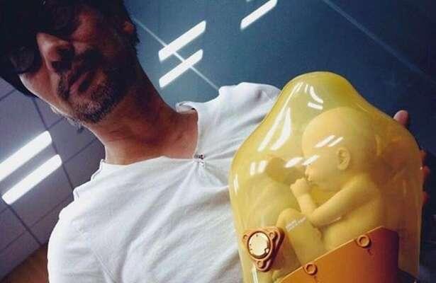Plastikowy płód z Death Stranding zapewnił Kojimie przygodę z celnikami