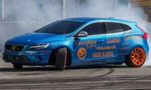 Volvo V40 z podwójnie turbodoładowaną V8 z BMW M5 robi wrażenie