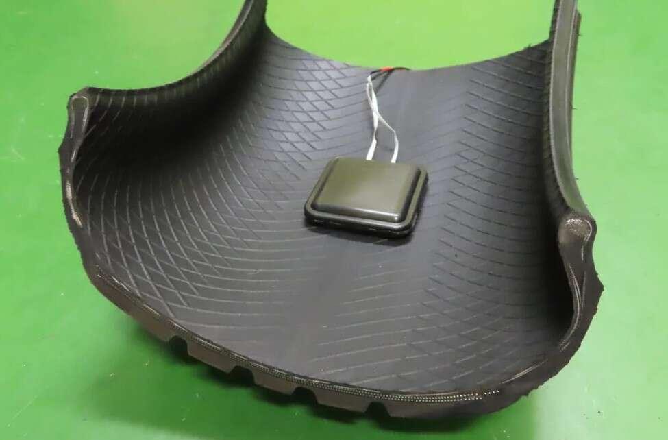 Koncepcyjna opona Sumimoto wytwarza energię podczas jazdy