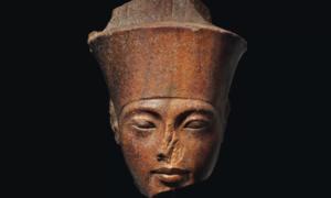 Rzeźba Tutanchamona została sprzedana na kontrowersyjnej aukcji
