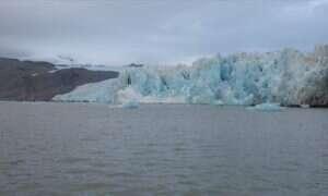 Wiemy w jaki sposób temperatura wody wpływa na dzielenie lodowców
