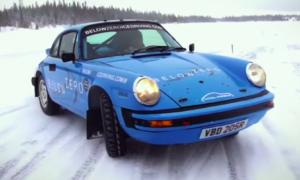 Jazda Porsche 911 na lodzie nie należy do najprzyjemniejszych