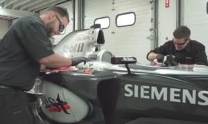 Odnawianie McLaren MP4-19B sprzed 15 lat jest wyzwaniem