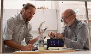 Inspirowana Star Wars proteza LUKE Arm zapewnia zmysł dotyku