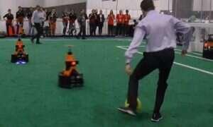 Obejrzyj mistrzostwa robotów w piłce nożnej