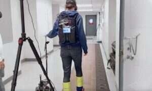 Inspirowany zwyczajną laską robot Canine pomaga w poruszaniu się
