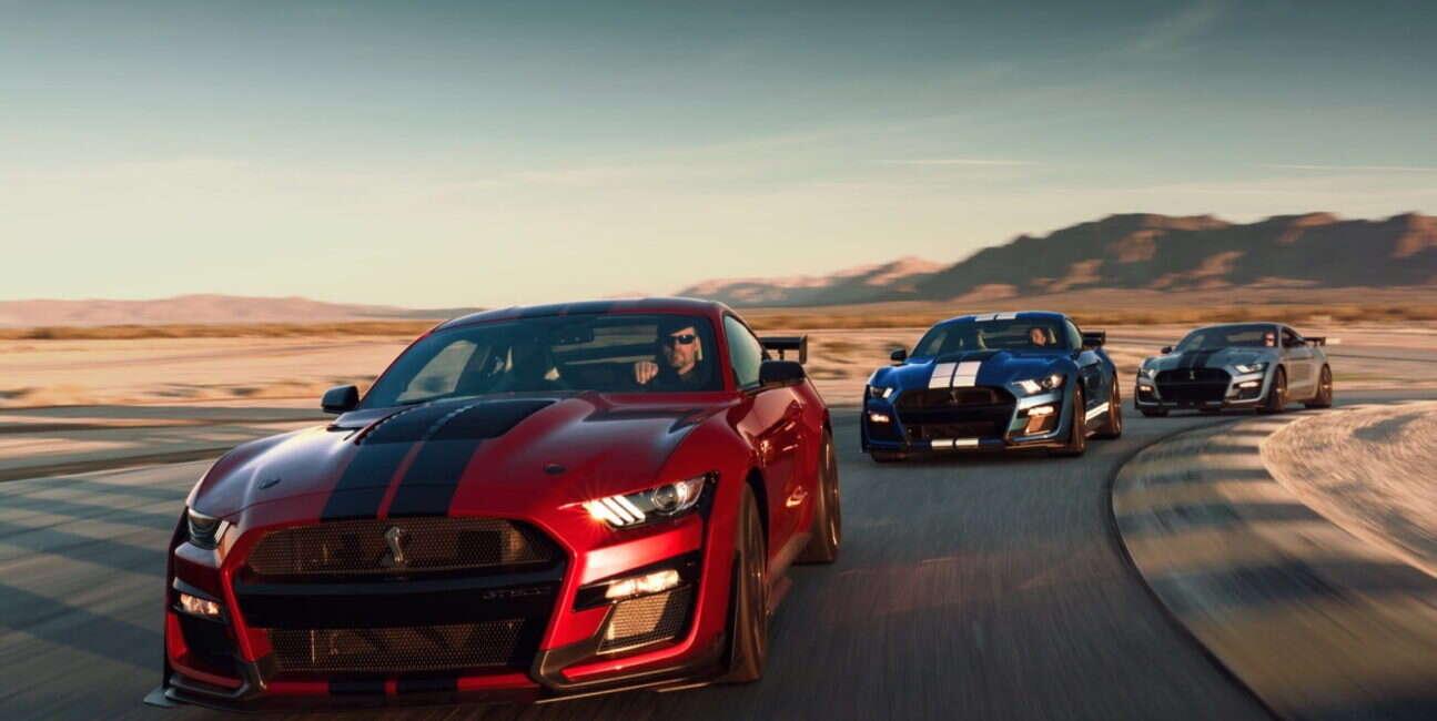 Mustang Shelby GT500 nie bez powodu otrzymał dwusprzęgłową skrzynię automatyczną