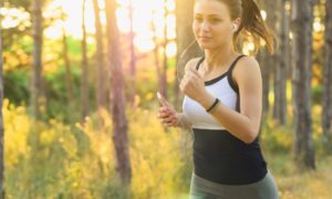 Dlaczego podczas biegania zginamy ręce?