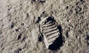 Co ludzie zostawili na Księżycu?