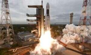 Indyjska misja Chandrayaan-2 dotarła na orbitę Księżyca
