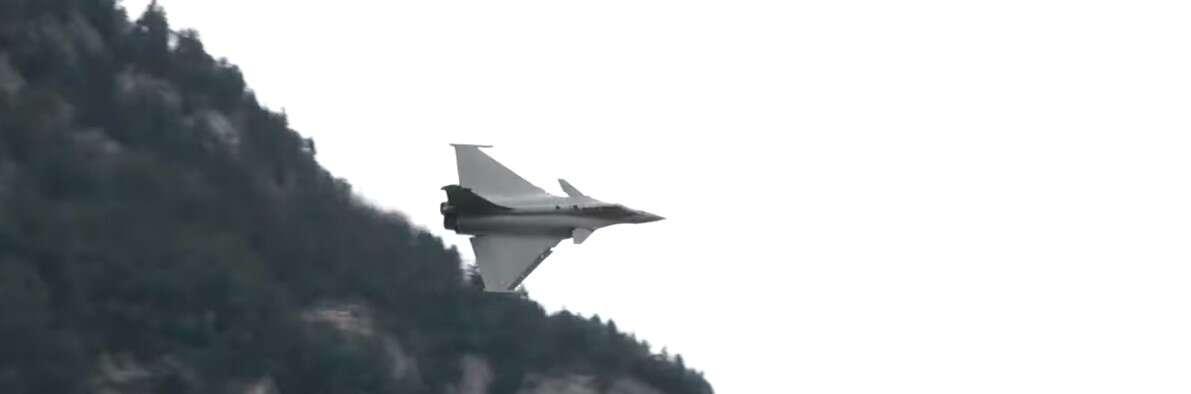 Francuski myśliwiec Dassault Rafale prosi o chwilę atencji