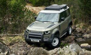 Land Rover pracuje nad zdalnym sterowaniem modeli Defender