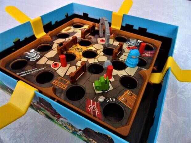 Obłędny Rycerz, Recenzja gry Obłędny Rycerz, Obłędny Rycerz FoxGames, gra kooperacyjna Obłędny Rycerz, gra zręcznościowa Obłędny Rycerz