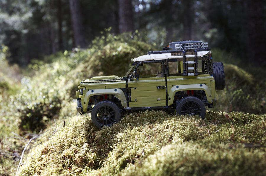 Nowego Land Rover Defender złożycie z klocków LEGO