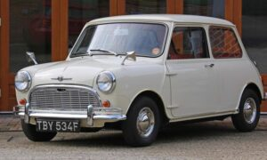 Ten Mini Cooper z 1968 roku wygląda tak, jakby dopiero wyjechał z fabryki
