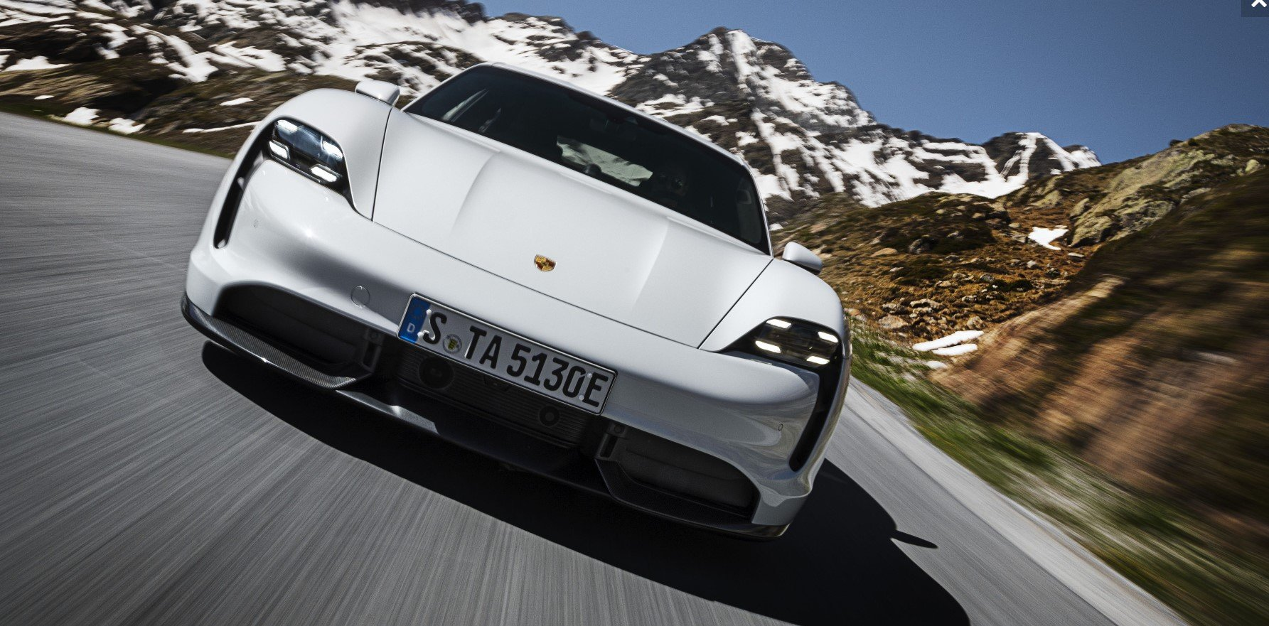 """Silniki w Porsche Taycan mogą """"rozbrzmieć""""... ale za 500$"""