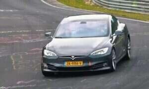 Ulepszony wariant Tesli Model S ustanowił rekord przed próbami na Nurburgring