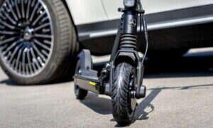 Elektryczna hulajnoga od Mercedes-Benz