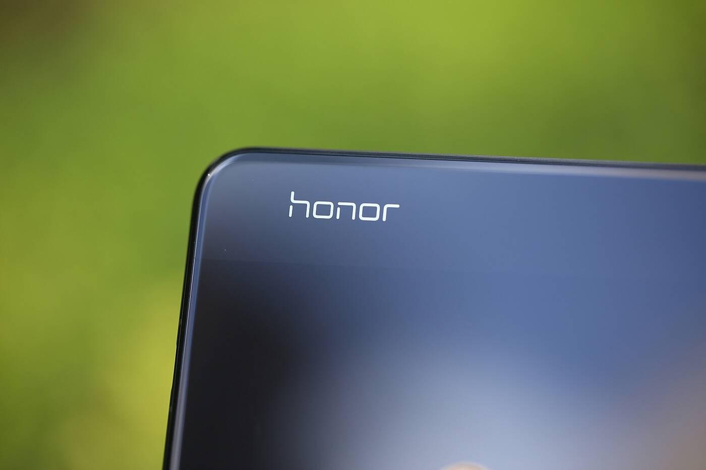 Jakie szybkie ładowanie wspiera Honor V30? 2