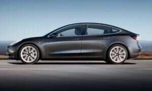 Jak to jest z degradacją baterii w Tesla Model 3?