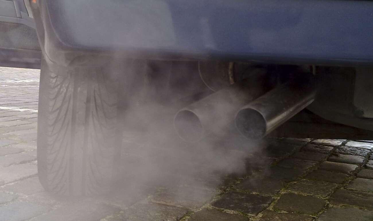 emisja CO2, zanieczyszczenie powietrza, Uber a emisja, emisja z samochodów