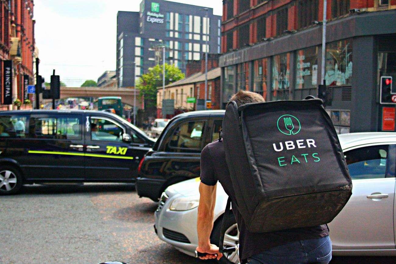 Uber Eats, koronawirus, Uber, pomoc w pandemii