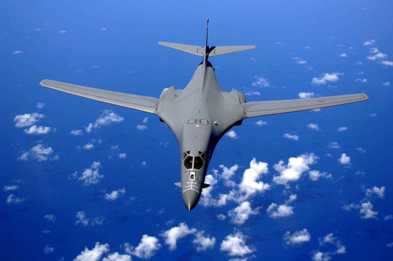 bombowiec B 1B, modernizacja bombowców, bombowce pociski hipersoniczne, unowocześnienie bombowców