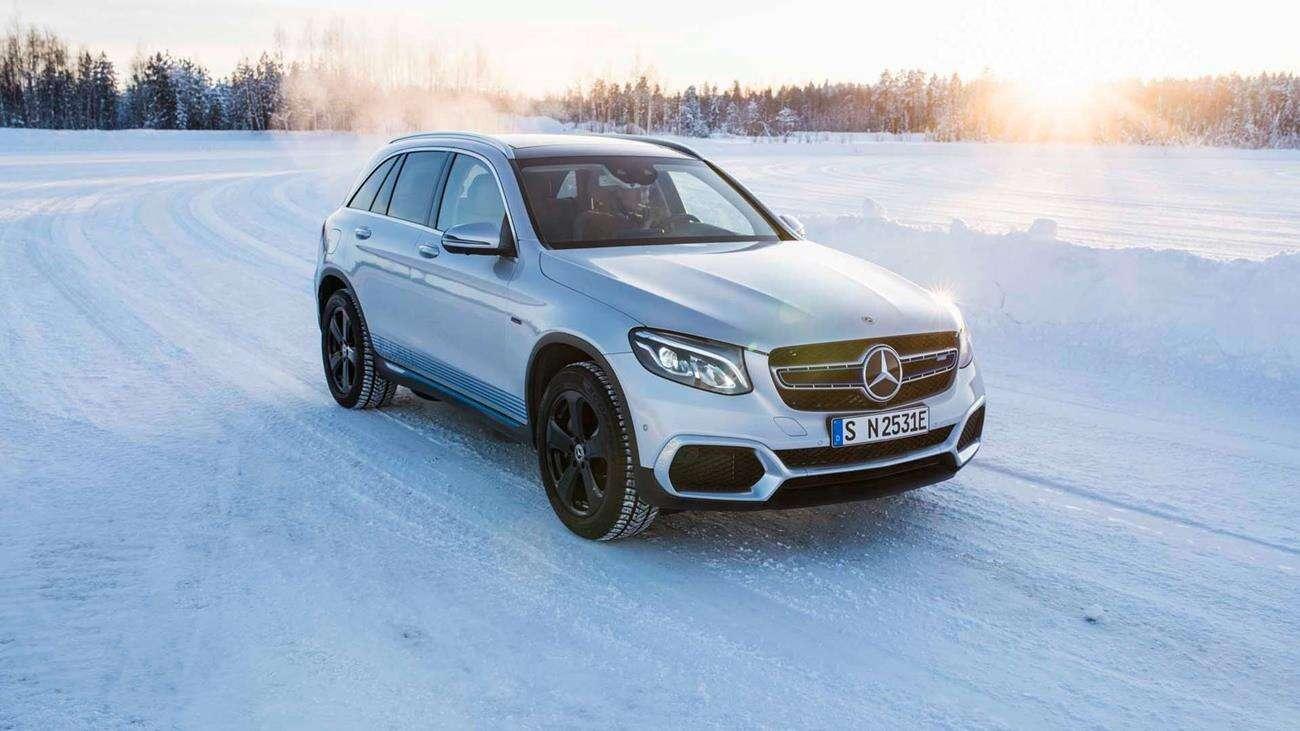 syntetyczne paliwo, Mercedes paliwo syntentyczne, elektryczność czy paliwo syntetyczne, syntetyki benzyna
