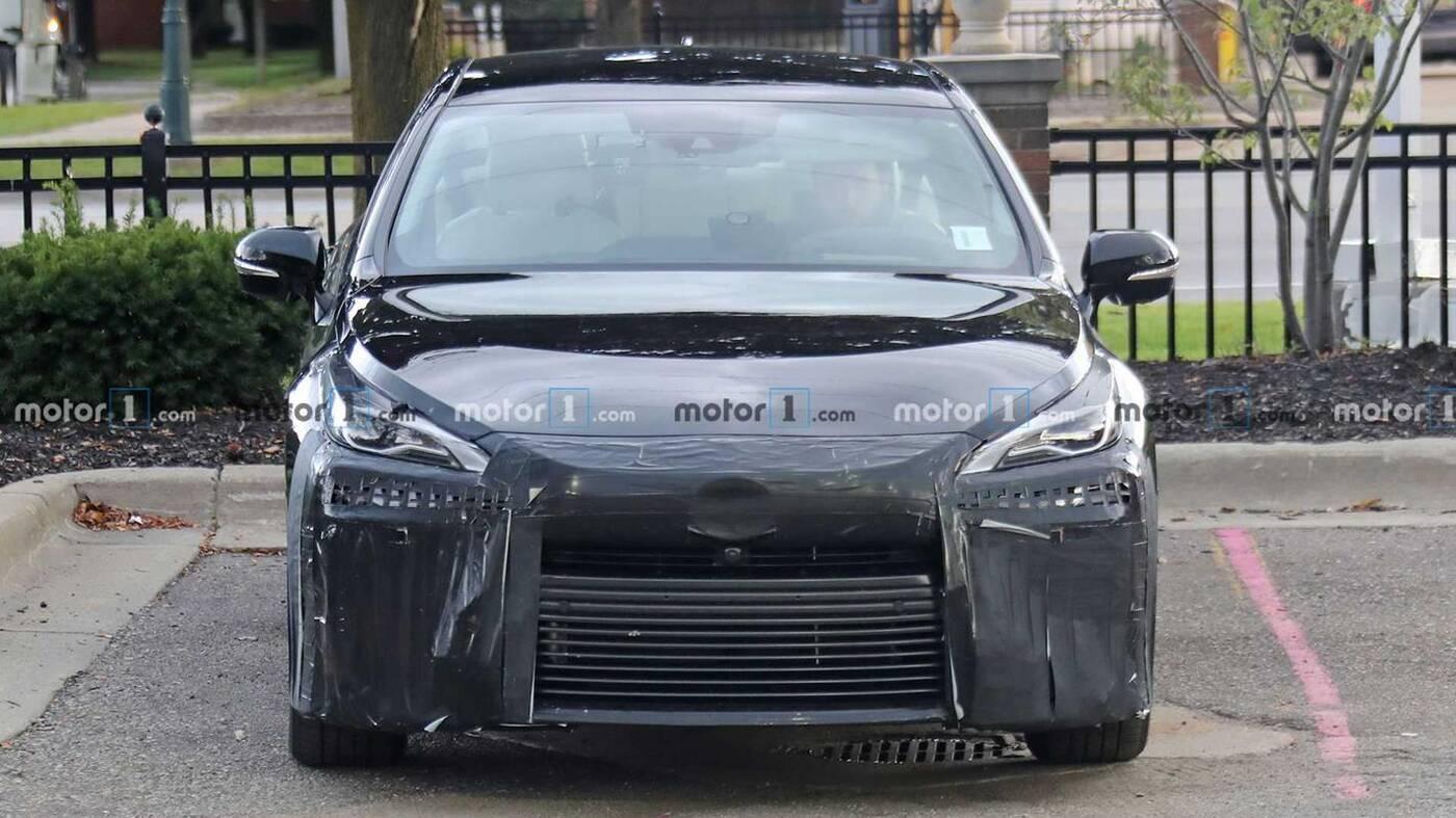 zdjęcia prototypu Toyota Mirai nowej generacji