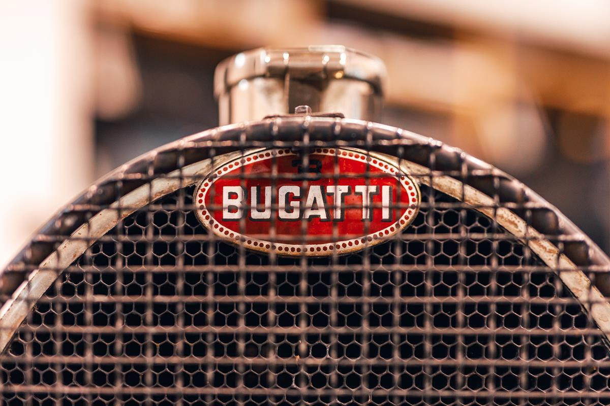 bugatti-macaron-emblemat-odznaka-historia