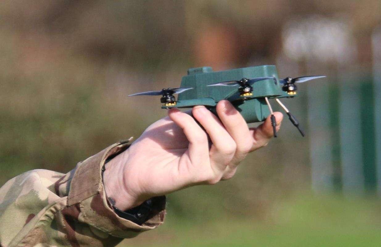 solidny wojskowy dron Bug, wojskowy dron Bug, dron Bug,