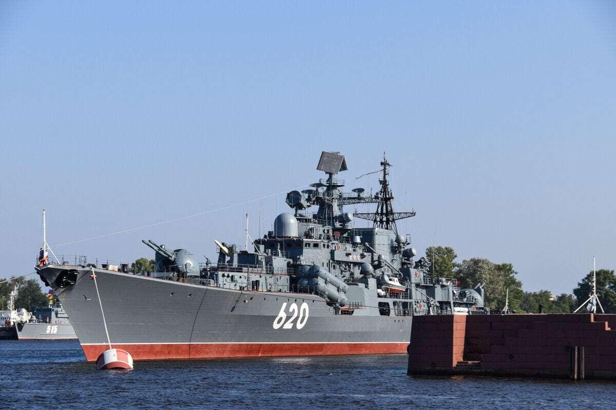 Rosja pełną parą, były kapitan niszczyciela, kradzież śrub niszczyciela