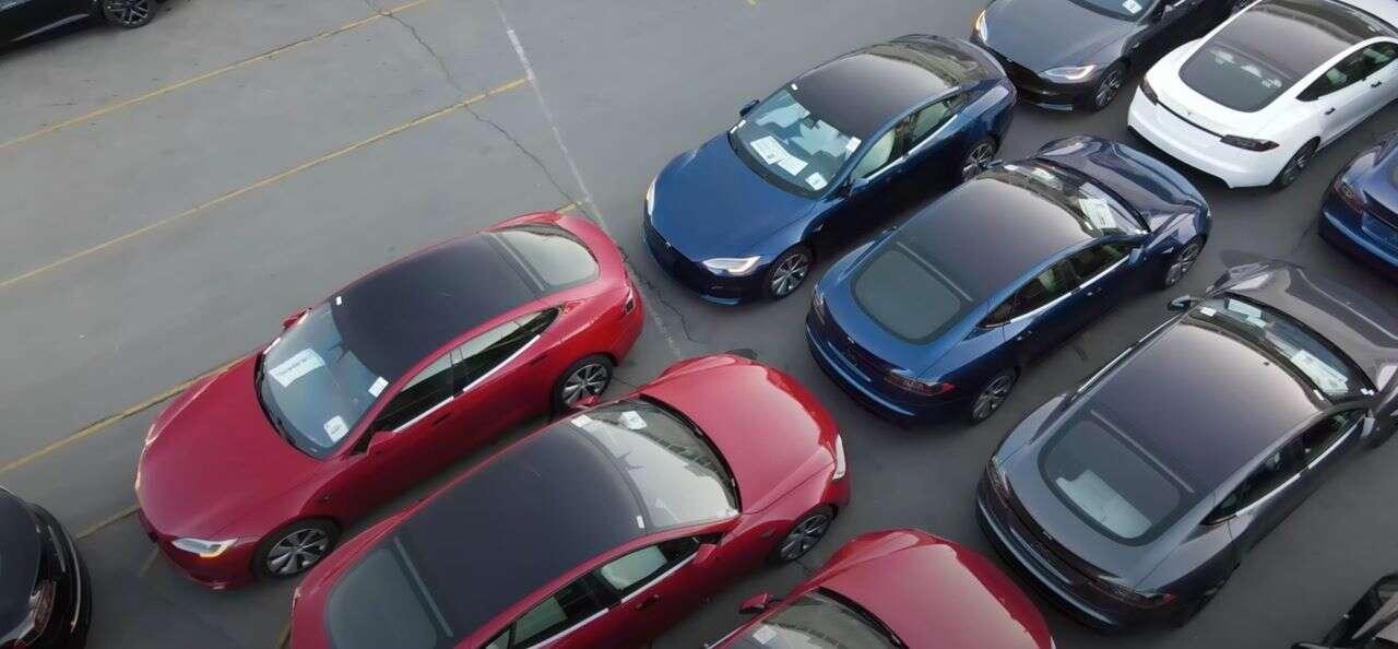Odświeżenie Tesla Model S, MOdel S trzeci rząd