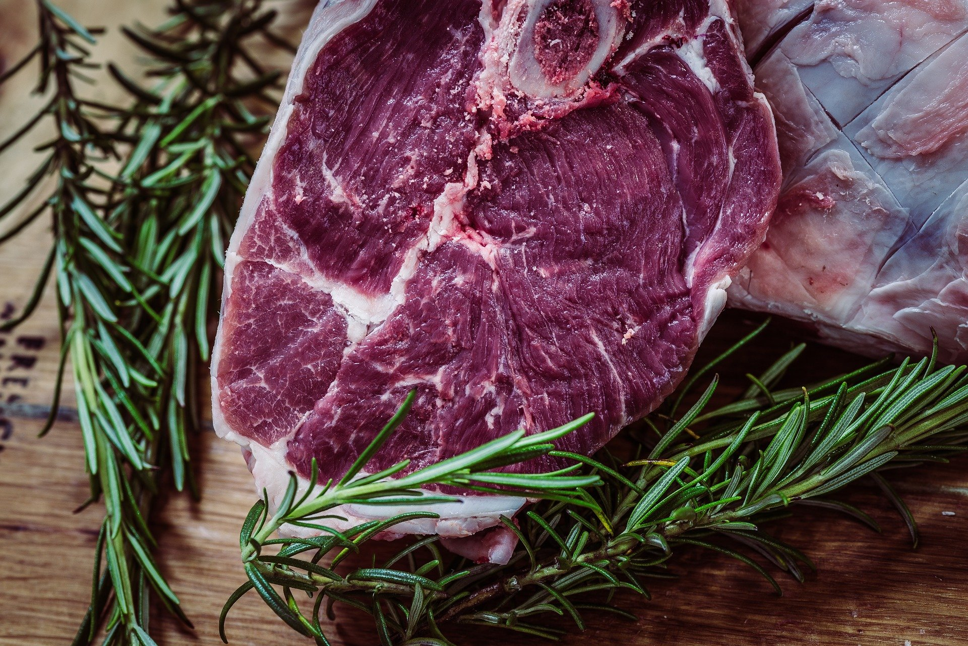 Mięso - czy naprawdę potrzebujemy go w diecie?