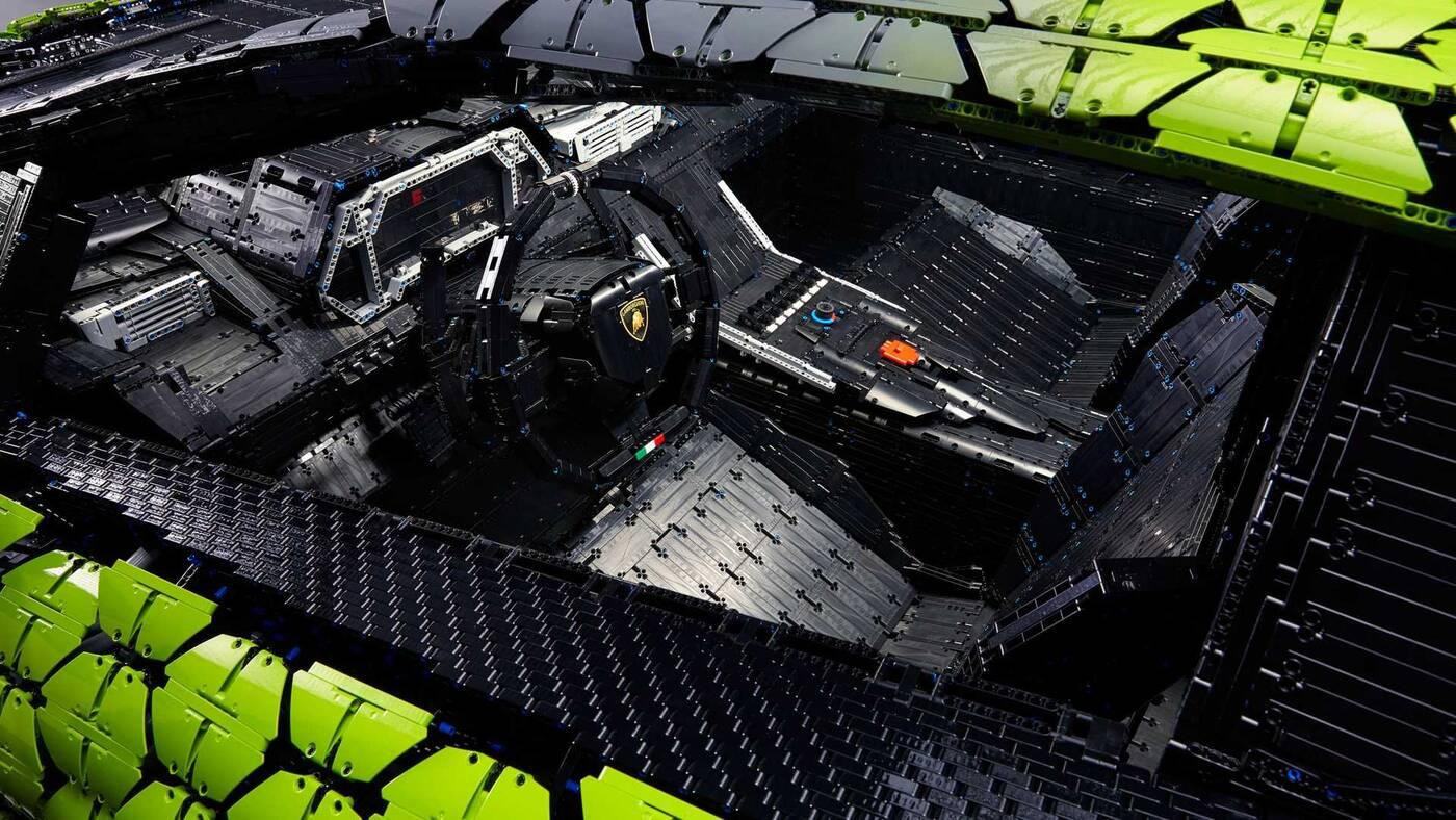 Replika LEGO Lamborghini Sian 1:1 wymagała 360 dni prac