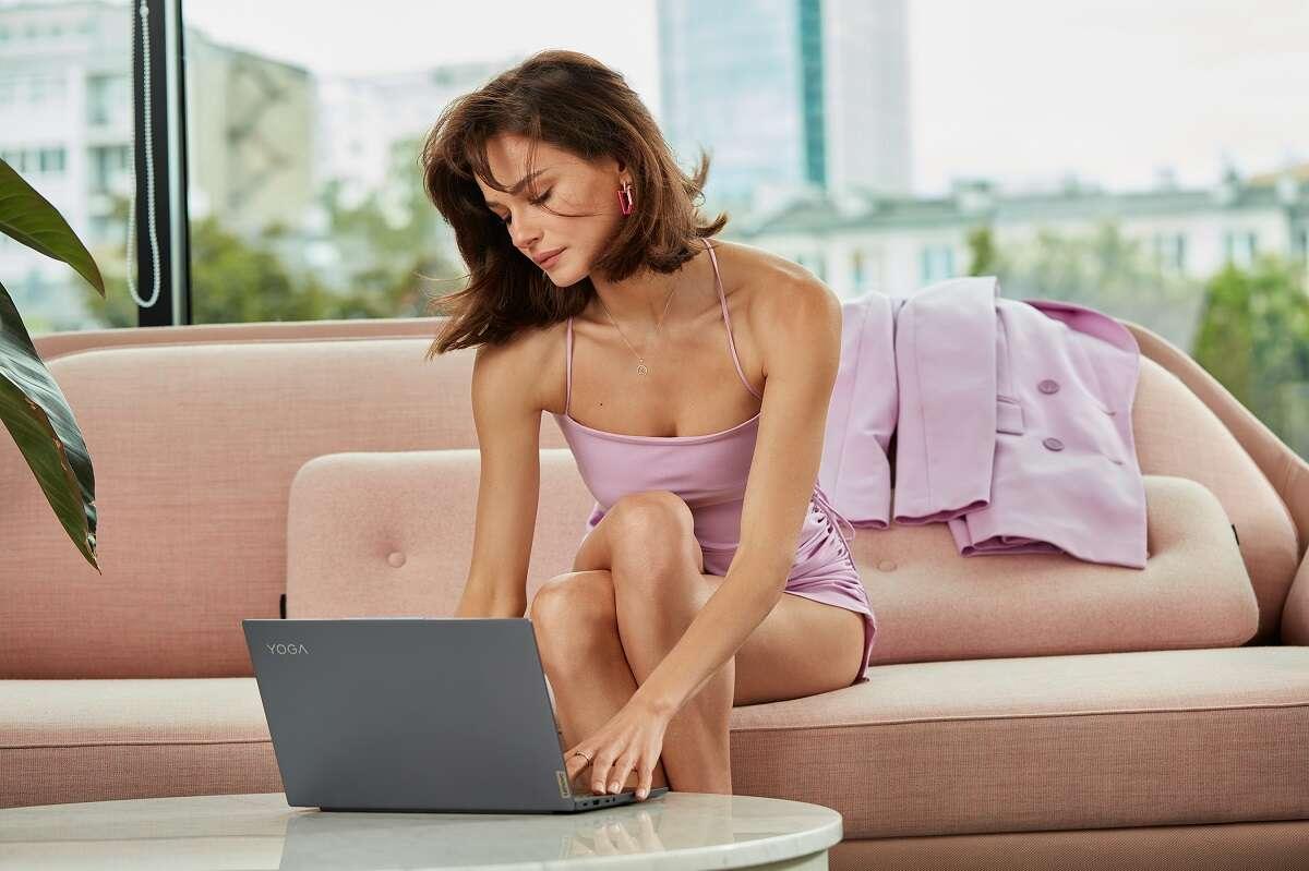 Natalia Szroeder została ambasadorką marki Lenovo Yoga