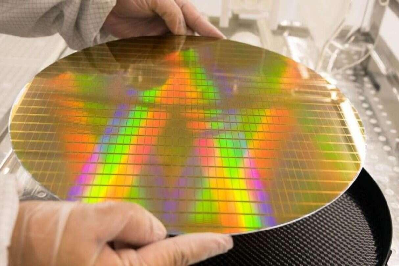 Intel przejmie giganta, Intel