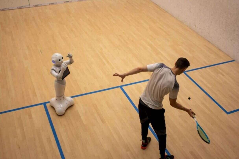 robotyczny trener squasha, robot trener